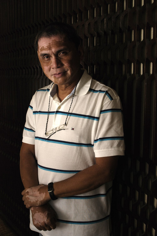 Ed Panlilio, priest-tuned-governor.